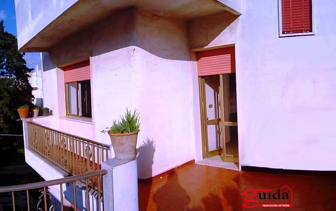 Soluzione Indipendente in vendita a Sannicola, 7 locali, prezzo € 142.000 | CambioCasa.it