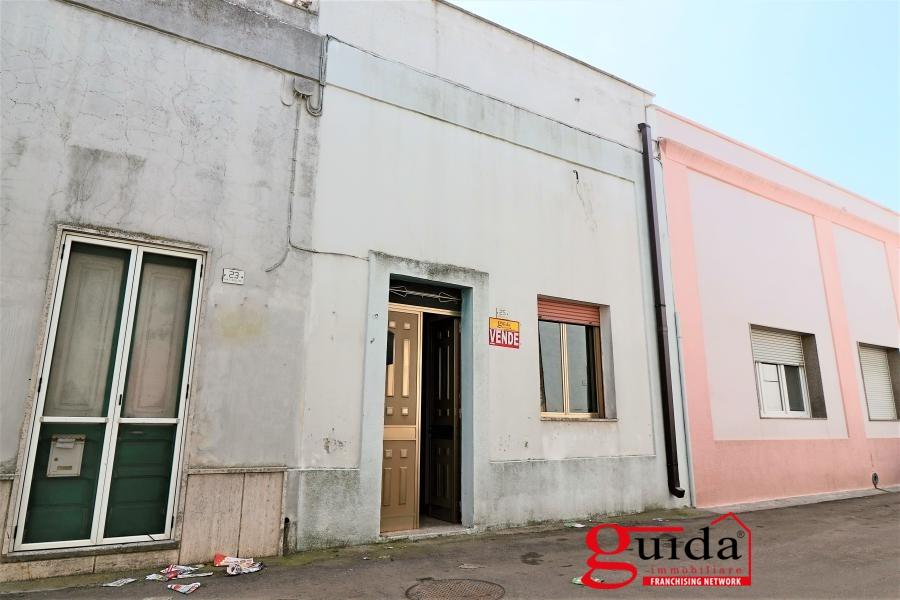 Soluzione Indipendente in vendita a Melissano, 5 locali, prezzo € 52.000   CambioCasa.it