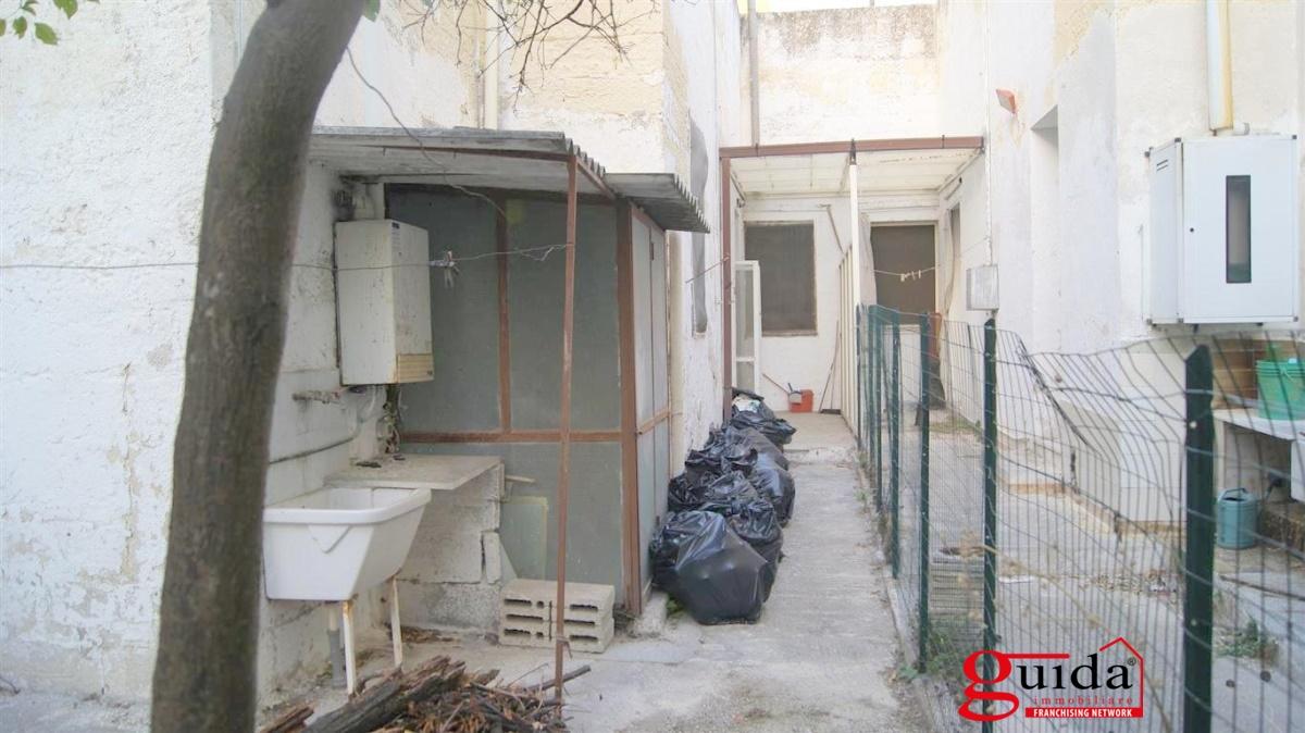Bilocale Lecce Via Dimitri Costadura 9