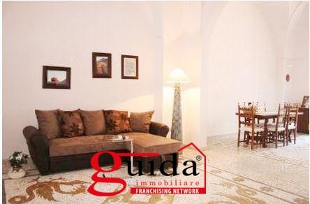 Soluzione Indipendente in affitto a Casarano, 5 locali, prezzo € 350 | CambioCasa.it