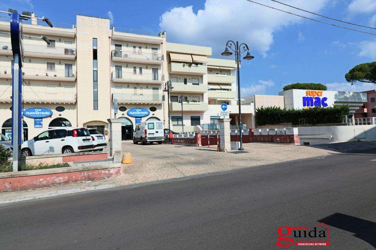 Appartamento in vendita a Parabita, 6 locali, prezzo € 95.000 | PortaleAgenzieImmobiliari.it