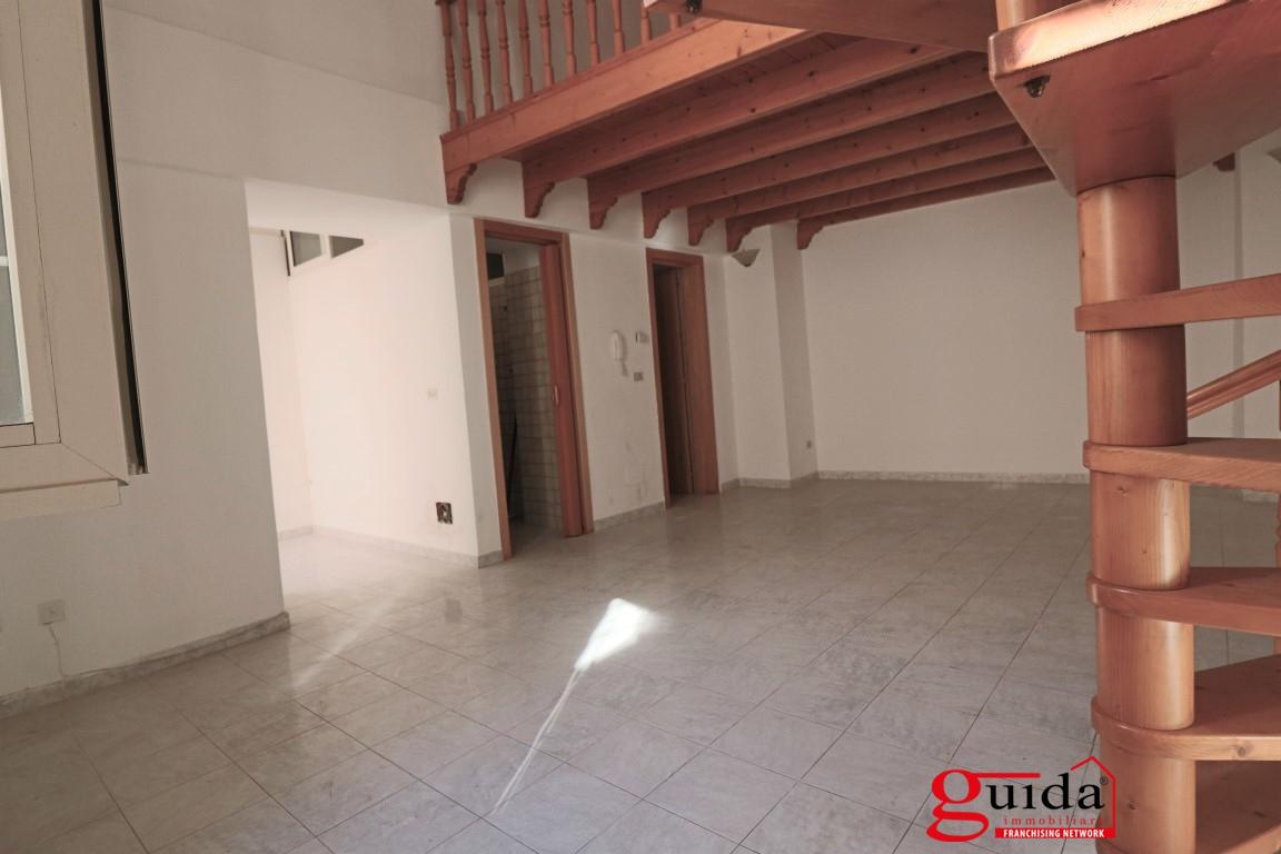 Soluzione Indipendente in affitto a Matino, 4 locali, prezzo € 250 | CambioCasa.it