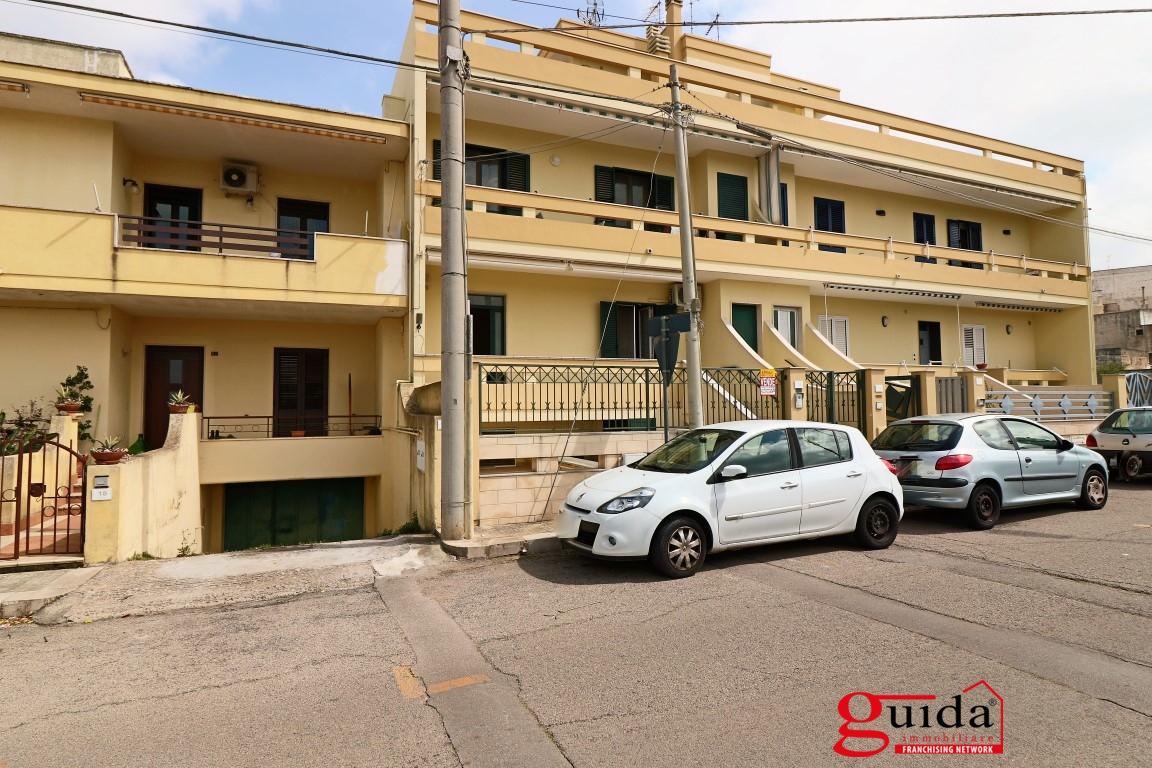 Vendita casa indipendente alezio abitazione indipendente for Planimetrie per case di 1800 piedi quadrati