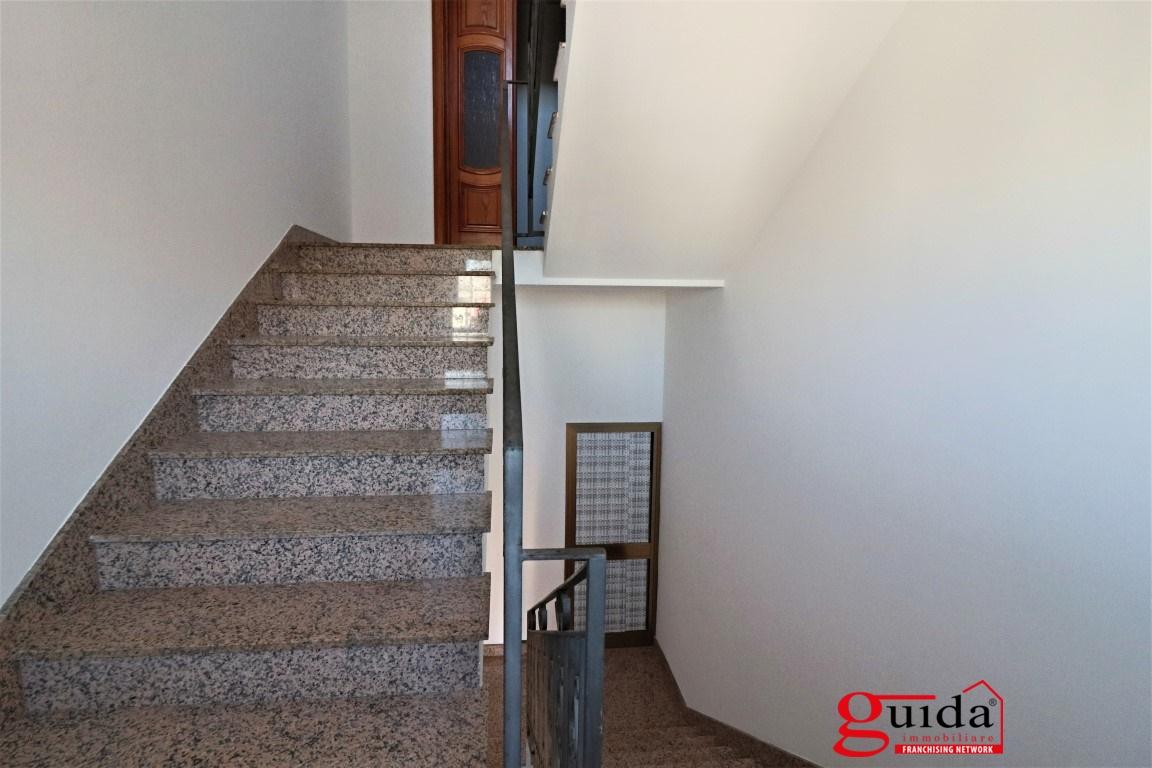 Vendita casa indipendente parabita indipendente al primo for Casa di un piano in vendita