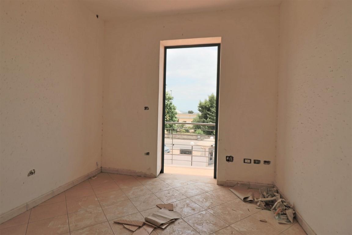 Vendita casa indipendente tuglie casa indipendente di for Dimensioni finestre velux nuova costruzione