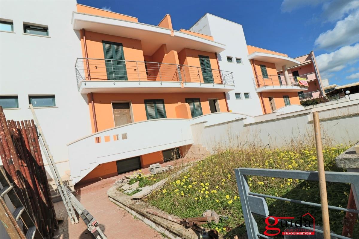 Best vendita casa tuglie localit periferia with for Costo per costruire una nuova casa