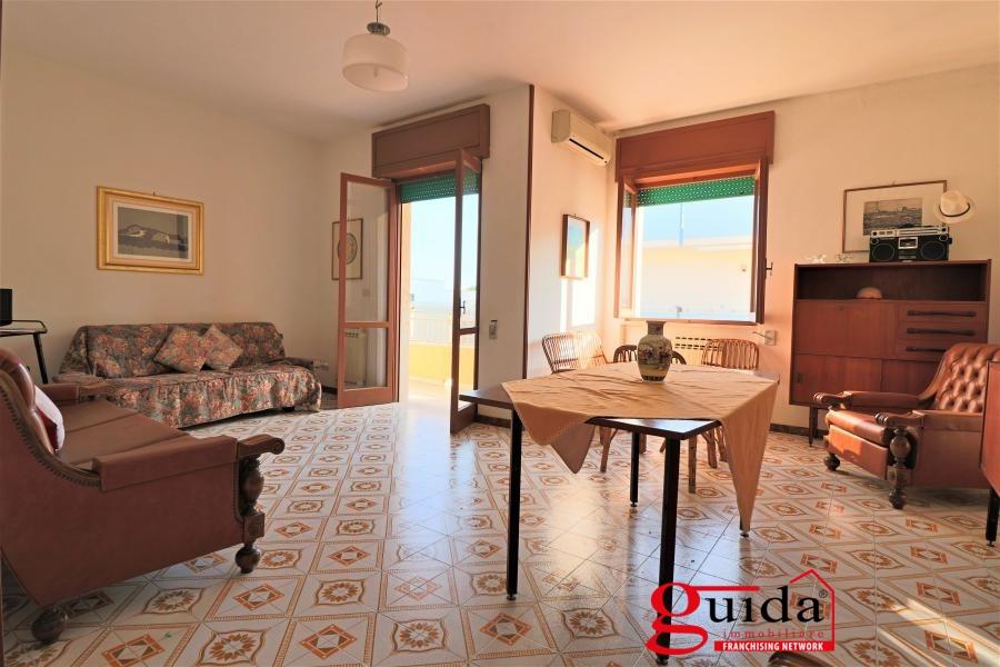 Appartamento in affitto a Gallipoli, 5 locali, prezzo € 250 | CambioCasa.it