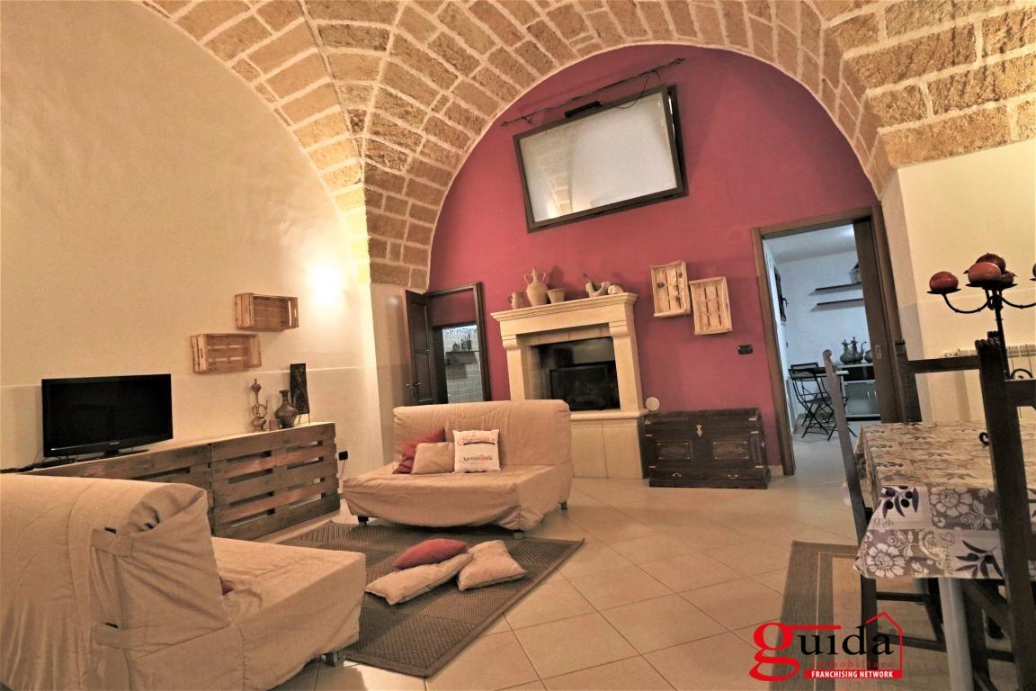 Soluzione Indipendente in affitto a Matino, 4 locali, prezzo € 300 | CambioCasa.it