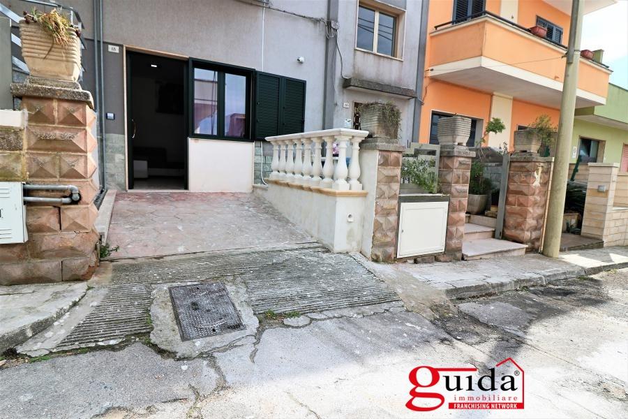 Soluzione Indipendente in affitto a Parabita, 2 locali, prezzo € 350 | CambioCasa.it