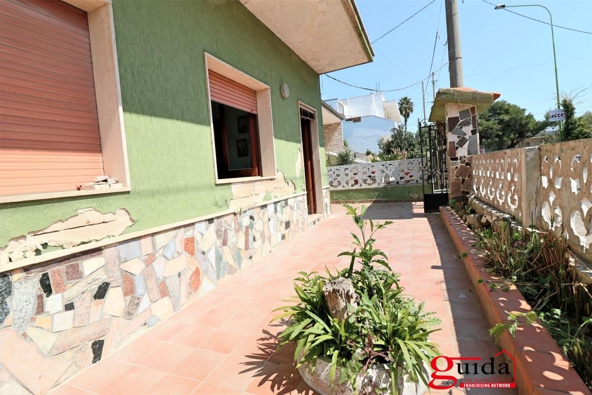 Vendita casa indipendente racale indipendente in vendita a racale con giardino e terrazzo - Case in vendita grosseto con giardino ...