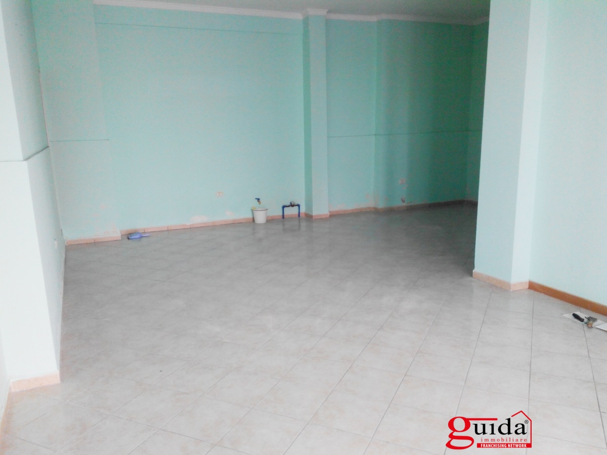 For Sale Shop or business premises Casarano - Local-commercial-in ...