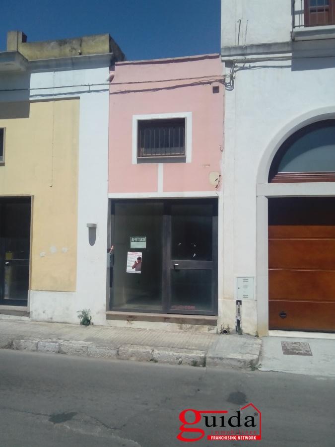 Negozio / Locale in affitto a Casarano, 1 locali, prezzo € 250 | CambioCasa.it