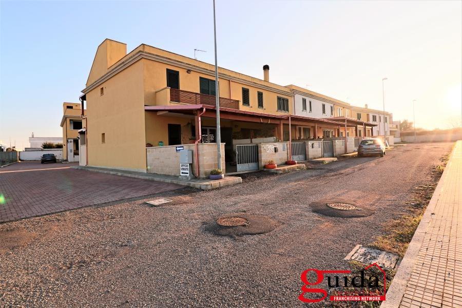Soluzione Indipendente in vendita a Uggiano La Chiesa, 4 locali, prezzo € 98.000 | CambioCasa.it