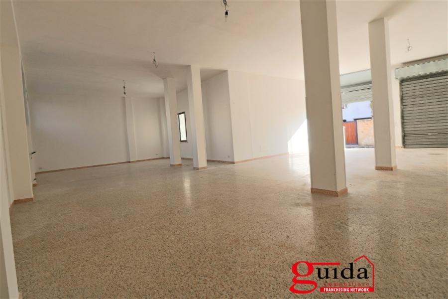 Laboratorio in affitto a Matino, 1 locali, prezzo € 350 | CambioCasa.it