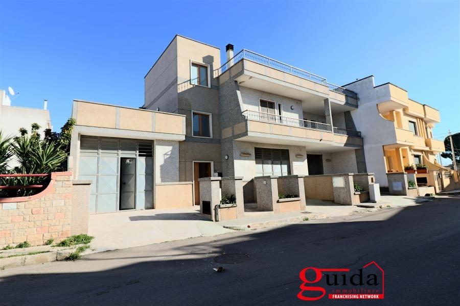 Laboratorio in affitto a Matino, 1 locali, prezzo € 300 | CambioCasa.it