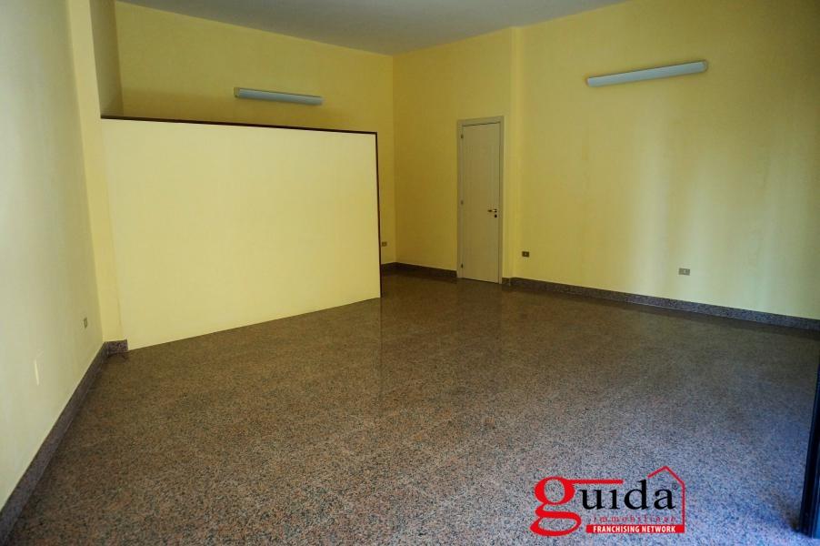 Negozio / Locale in affitto a Casarano, 1 locali, prezzo € 300 | CambioCasa.it