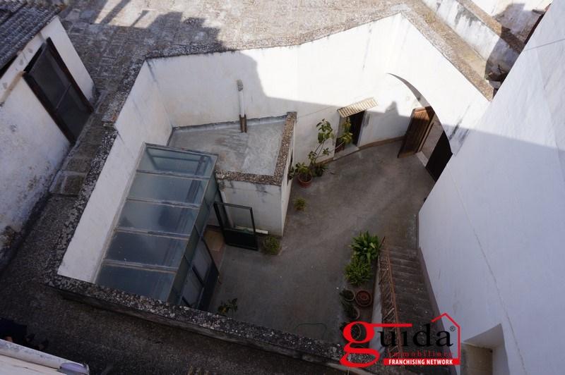 Stabile/Palazzo Casarano LE609341