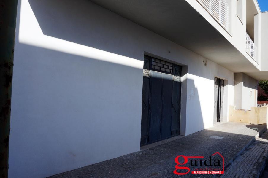 Laboratorio in affitto a Casarano, 1 locali, prezzo € 600 | CambioCasa.it
