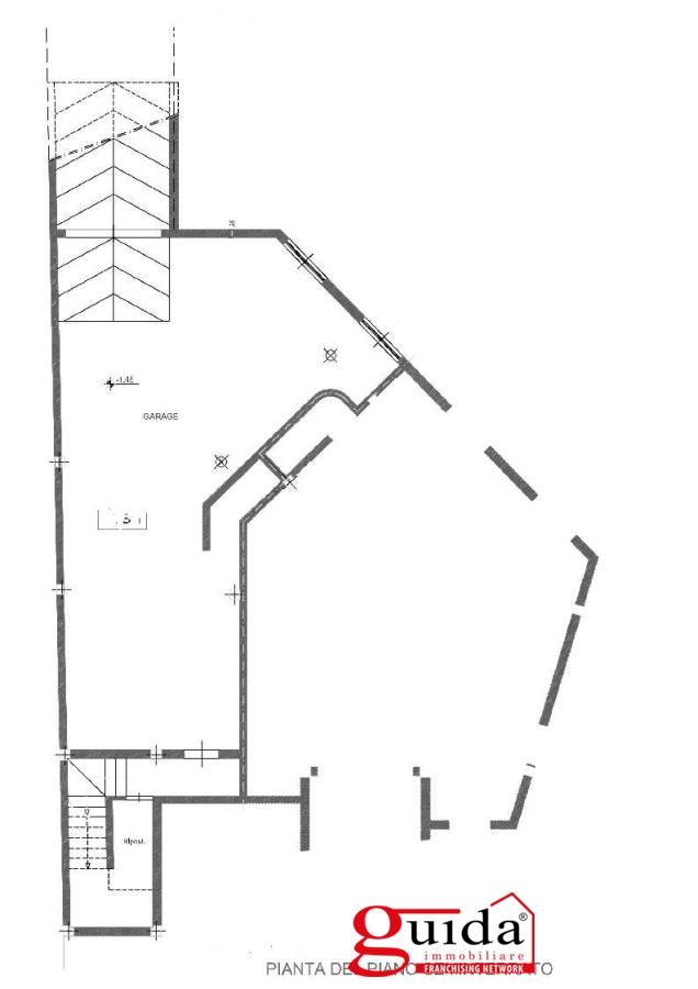 Vendita casa indipendente neviano abitazione for 1 piano garage con abitazione
