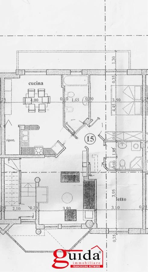 Vendita casa indipendente parabita indipendente al primo for Piani di casa con balcone al secondo piano