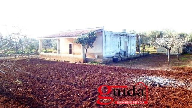 Villa in vendita a Ugento, 5 locali, prezzo € 50.000 | CambioCasa.it