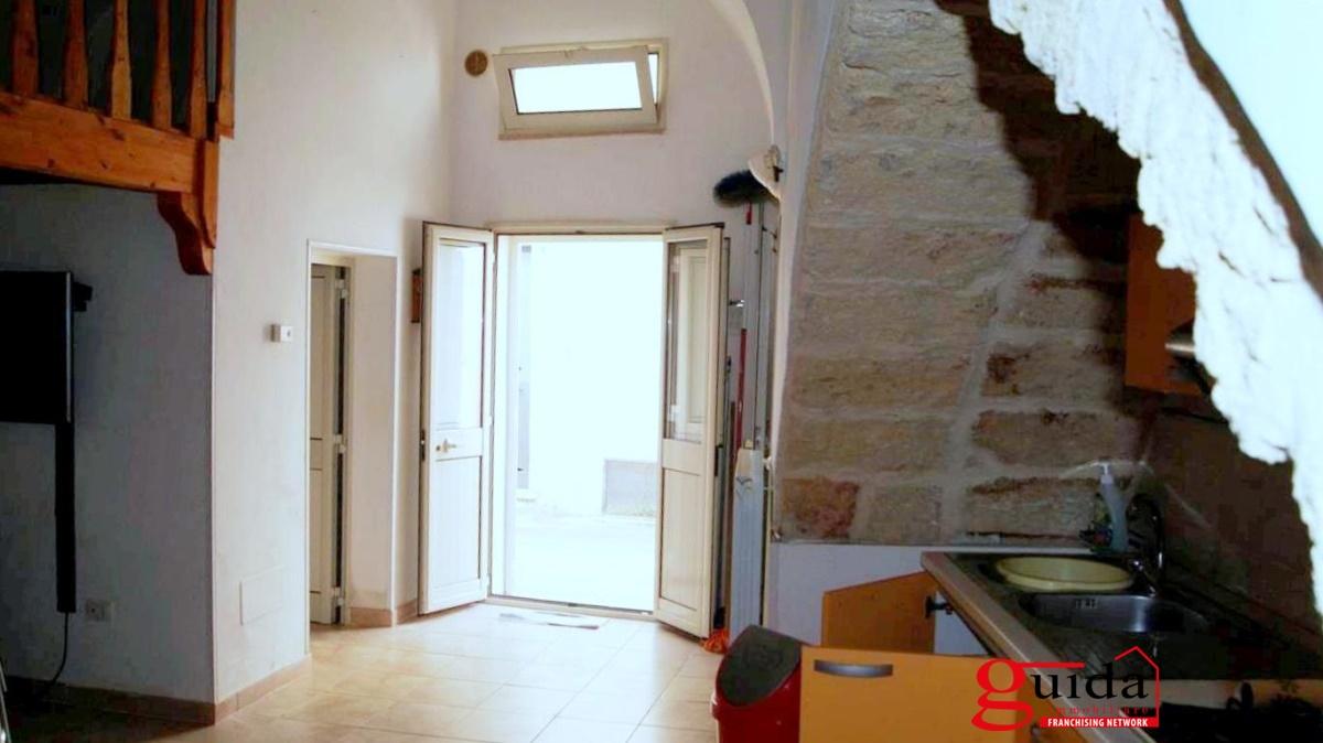Soluzione Indipendente in vendita a Miggiano, 4 locali, prezzo € 50.000 | CambioCasa.it
