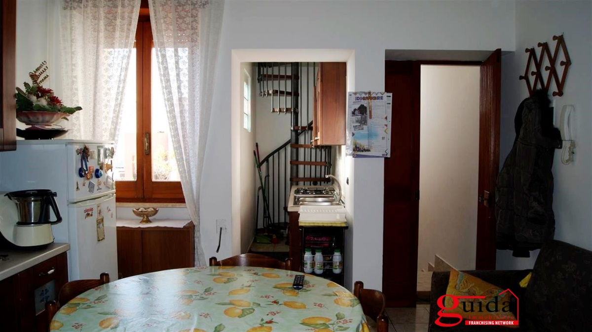 Vendita casa indipendente casarano indipendente al primo for Una casa da letto in vendita