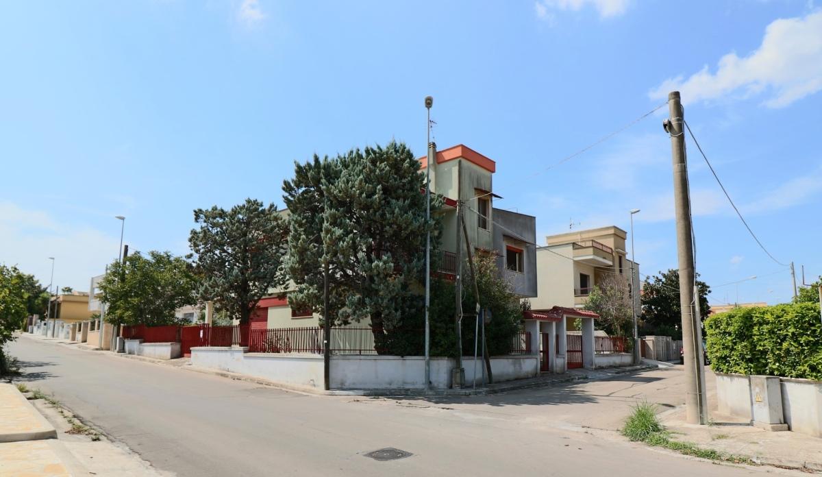 Villa vendita MATINO (LE) - 7 LOCALI - 306 MQ