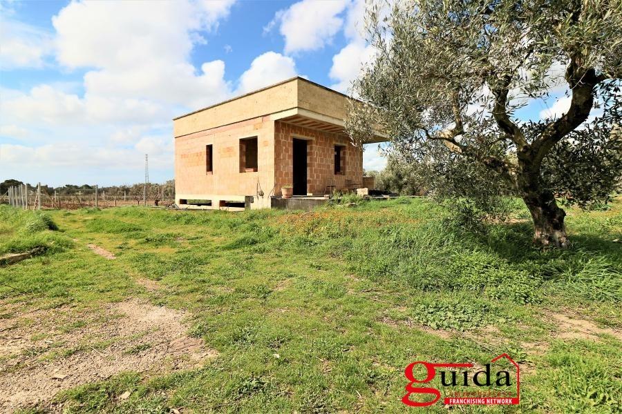 Rustico / Casale in vendita a Casarano, 4 locali, prezzo € 50.000 | CambioCasa.it