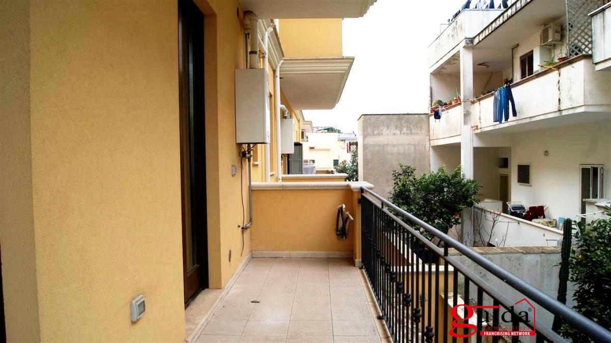 Vendita appartamento casarano appartamento al primo for Piani per due box auto con appartamento sopra
