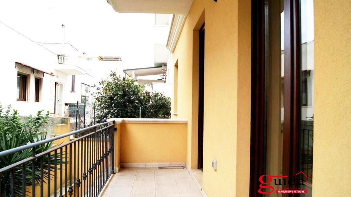 Vendita appartamento casarano appartamento al primo for Planimetrie al piano di sopra