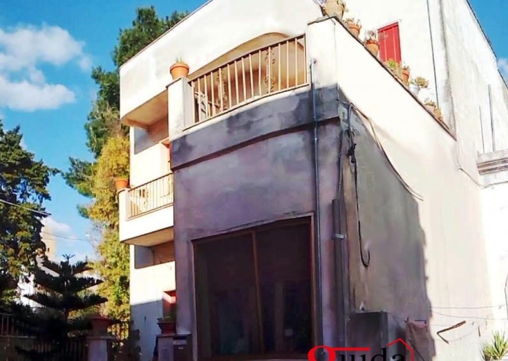 For Sale Detached house Sannicola -  Independent-of-more-level-in-sales-a-Chiesanuova-with-large-outer-space-and-terrace-Bare-ownership Locality