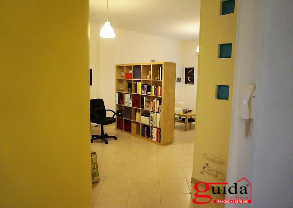 For Rent Office or study Casarano - Office-in-rent-a-Casarano-in-area-central-ideal-for-professionals Locality
