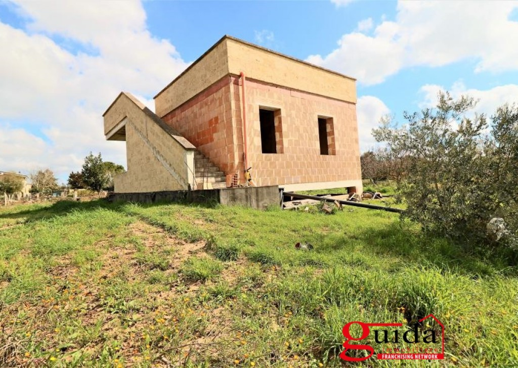 For Sale Rustic  Casarano -  Country-house-in-the-state-country-in-sales-a-little-Casarano-away-from-center-town Locality