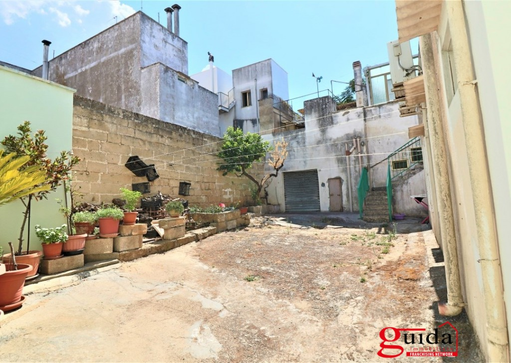 For Sale Property complex Alezio - Property complex to be restored with terrace for sale in Alezio in the historical center Locality