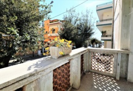 Apartment-sale-in-a-Matino-to-ground-floor-with-outer-space-in-area-well-served