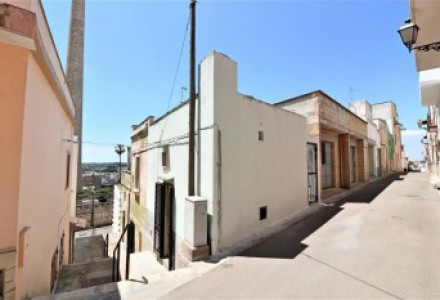 Independent-in-sales-a-Matino-in-center-old-with-typical-times-a-star-and-terrace-sea-view