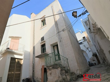 Independent-of-more-level-in-sales-a-Matino-in-historical-center-of-renovation