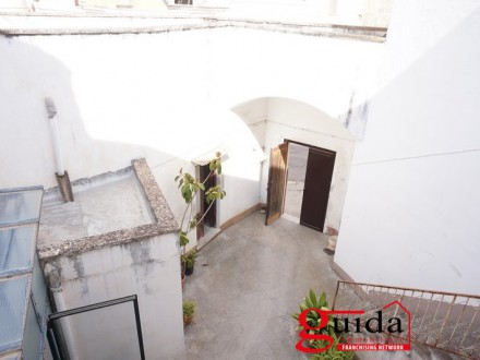 Palazzo-antique-in-rent-a-Casarano-in-center-historical-with-short-and-terrace-panoramic