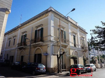 Palazzo-antique-MENT 900'-for-sale-in-Parabita-in-Salento-with-typical-times-frescoed