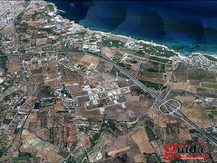 Land-building-in-sales-a-Gallipoli-on-road-main-Chiesanuova-Sannicola-a-few-km-by-Sea