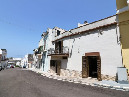 Detached house for sale in Matino centrally located