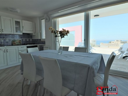 Panoramic penthouse in Gallipoli centrally located for rent for short periods