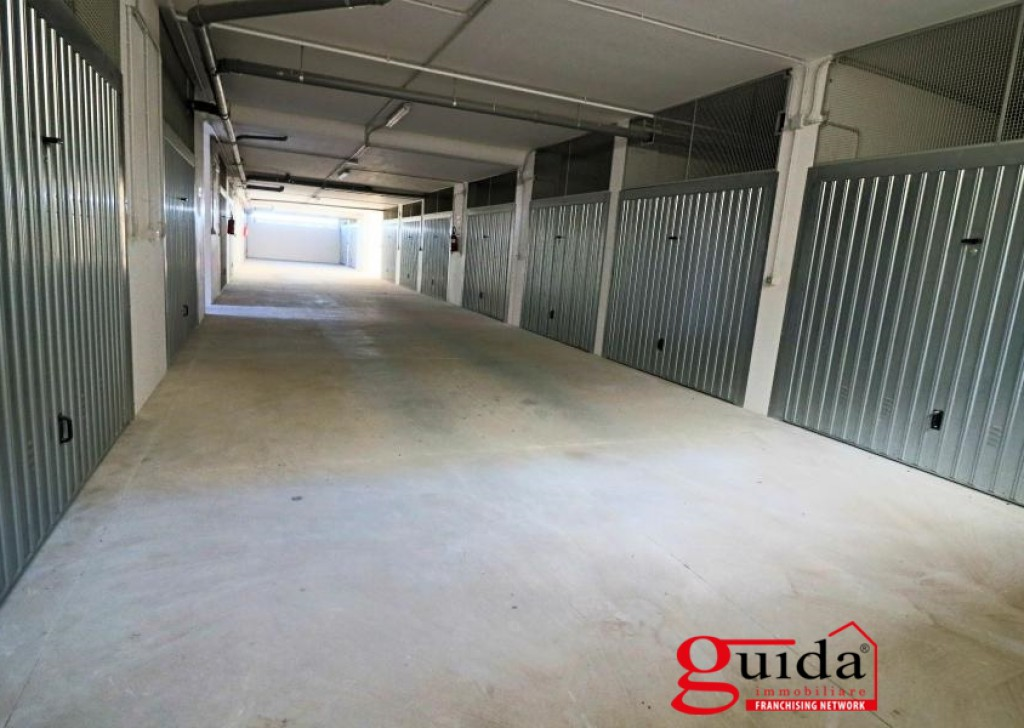 For Sale Box, parking, storeroom  - Box-car-of-19-Mq-in-sales-a-Uggiano-The-Church-in-the complex or residential new-build-N.3 Locality