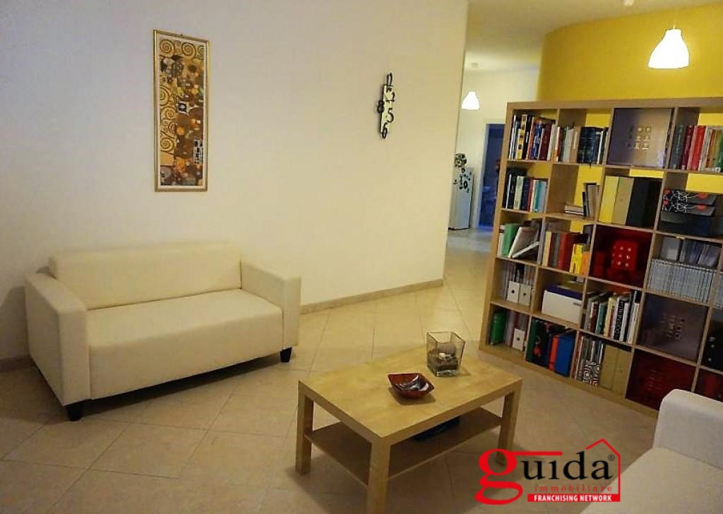 Rent Office or study Casarano - Office-in-rent-a-Casarano-in-area-central-ideal-for-professionals Locality