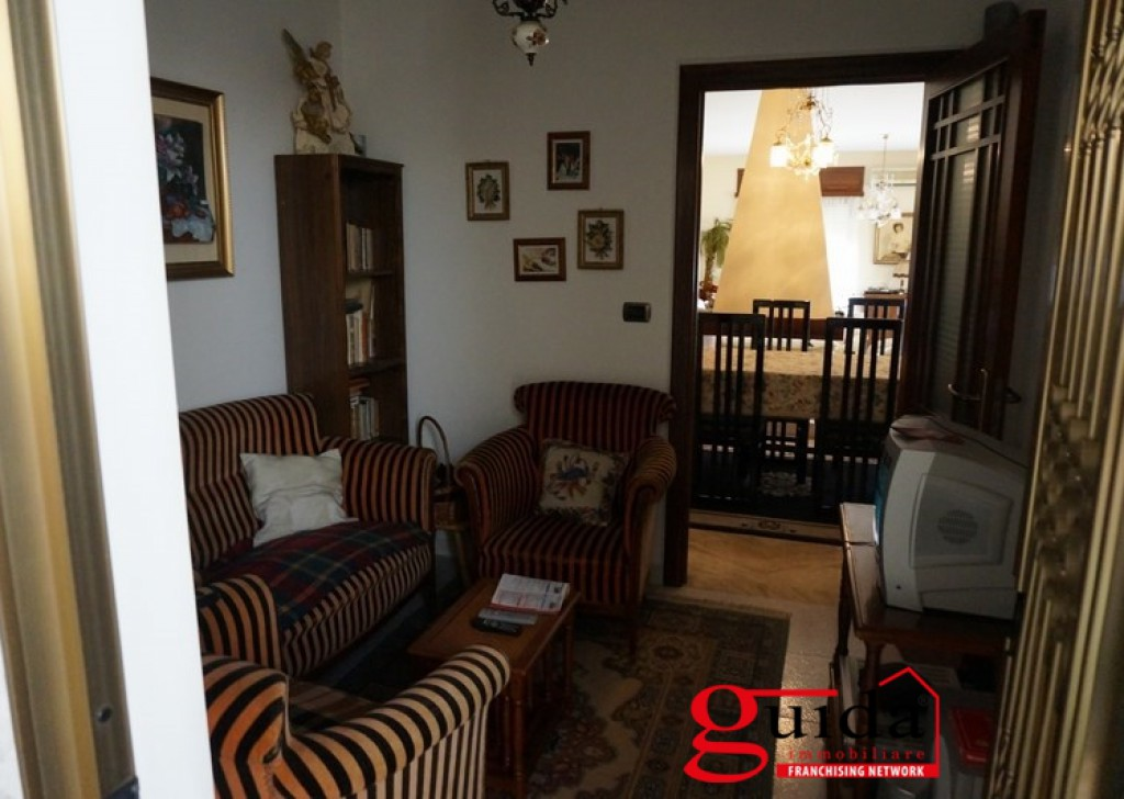 Sale Villa Melissano -  Villa-on-more-levels-for-sale-in-Melissano-with-large-outer-space Locality