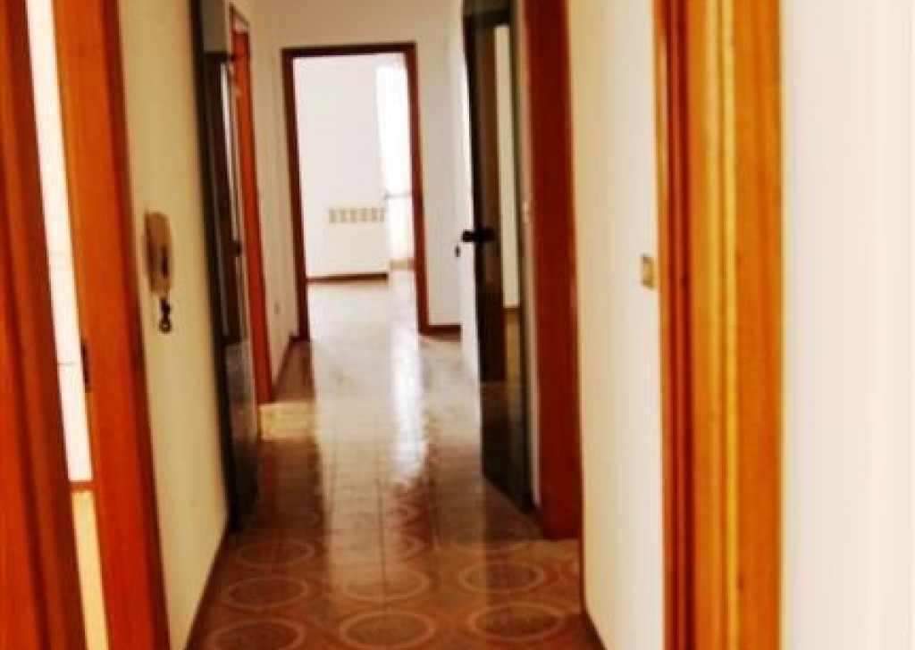 Sale Apartment Casarano - Flat-to-first-floor-in-sales-a-Casarano-in-area-Central Locality