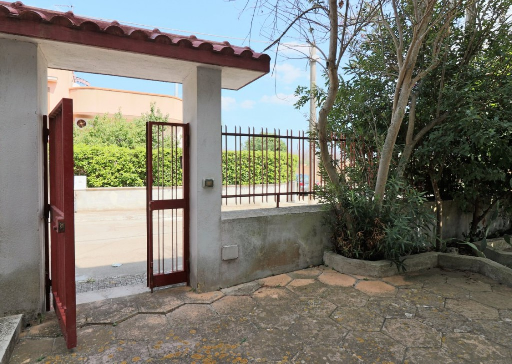 For Sale Chalet Matino - Panoramic villa with large outdoor spaces, Garden, garage on the outskirts of Matino bordering Casarano  Locality