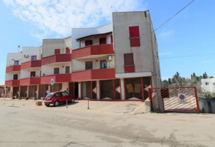 Apartment-wide-and-bright-for-sale-in-Casarano-in-area-middle-and-residential