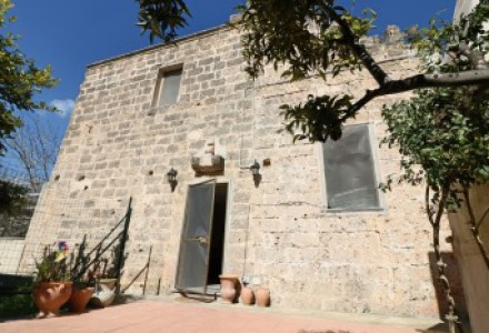 Baronial House for sale in holiday apartment in two steps from Gallipoli